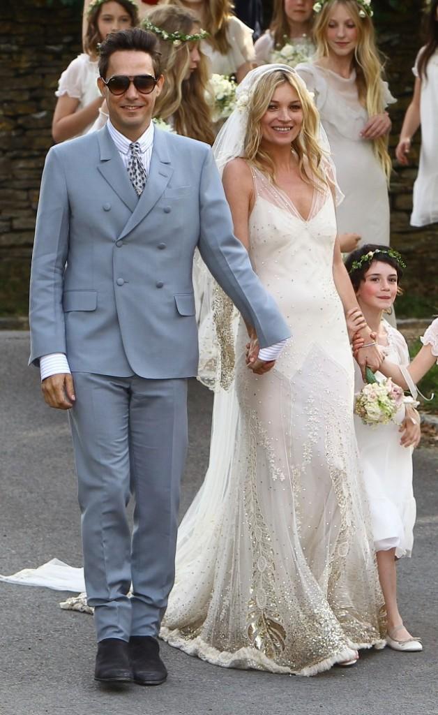 kate_moss_wedding_02_wenn3420917-640x1043
